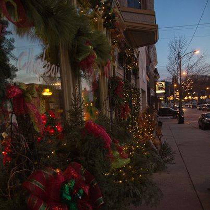 11 Main Street Christmas Celebrations In Wisconsin You
