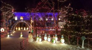 8 Christmas Light Displays In Wyoming That Are Pure Magic