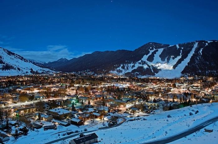 Jackson wyoming turns into a winter wonderland each year for Towns near jackson hole wyoming