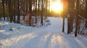 Here Are The 6 Best Ways To Explore The Sebago Lake Area In Maine This Winter