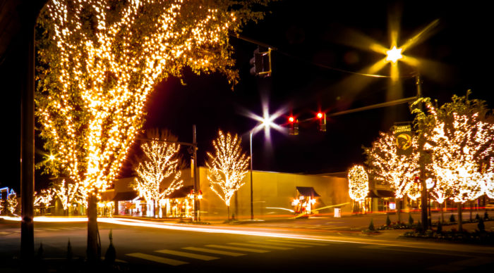 8 Best Christmas Main Streets In Alabama 2016