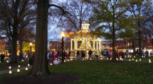 7 Main Streets Surrounding Cleveland That Are Pure Magic During Christmastime