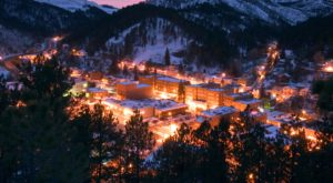 The One Town In South Dakota That Turns Into A Winter Wonderland Each Year