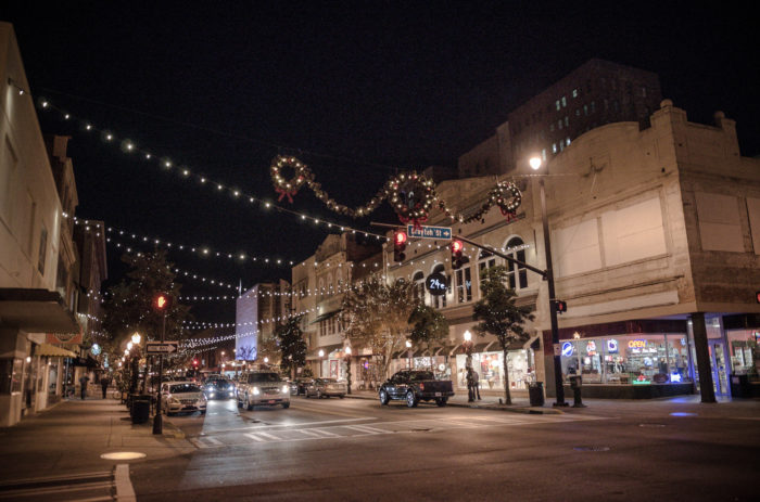 Savannah Georgia Is The Most Magical City During Christmas