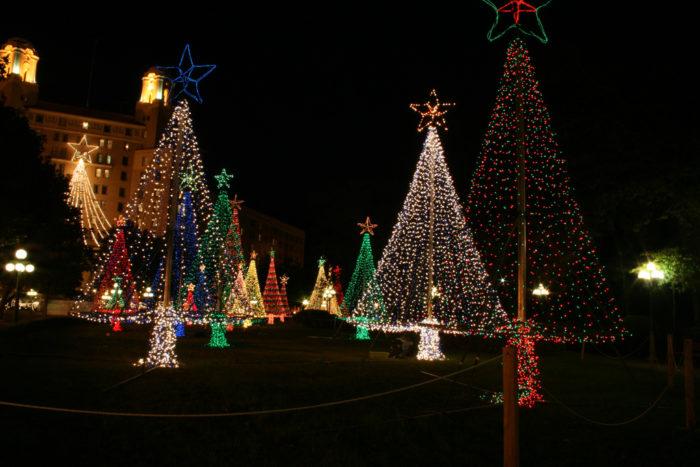Magical 2016 Arkansas Christmas Lights Road Trip