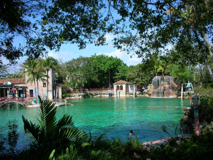 He world 39 s largest freshwater swimming pool is here in florida for What is a freshwater swimming pool