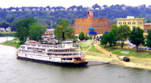 You'll Fall In Love With These 12 Charming Waterfront Towns In Ohio