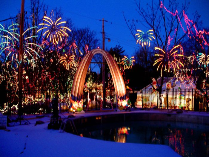 Santa's Magical Kingdom In Missouri Is Christmas Fun For The Whole ...