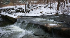 The Easy 1-Mile Winter Hike In Ohio That's Positively Bewitching