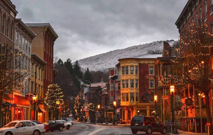 10 Best Christmas Main Streets In Pennsylvania 2016