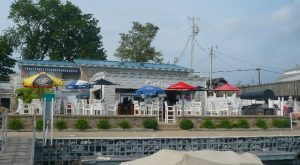 9 Amazing Restaurants Along The Ohio Coast You Must Try Before You Die