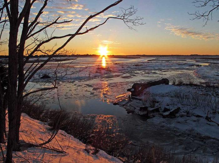 Boardwalk Makes For Great Marsh Walk >> Take This Easy Winter Hike In Massachusetts