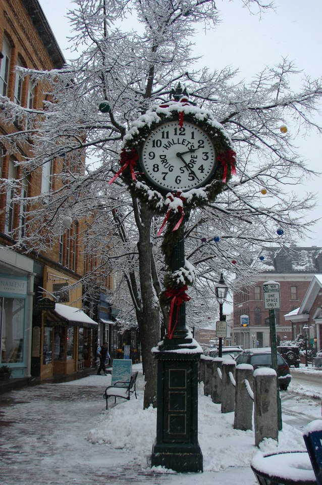 8 Christmas Main Streets In Maine That Are Pure Magic