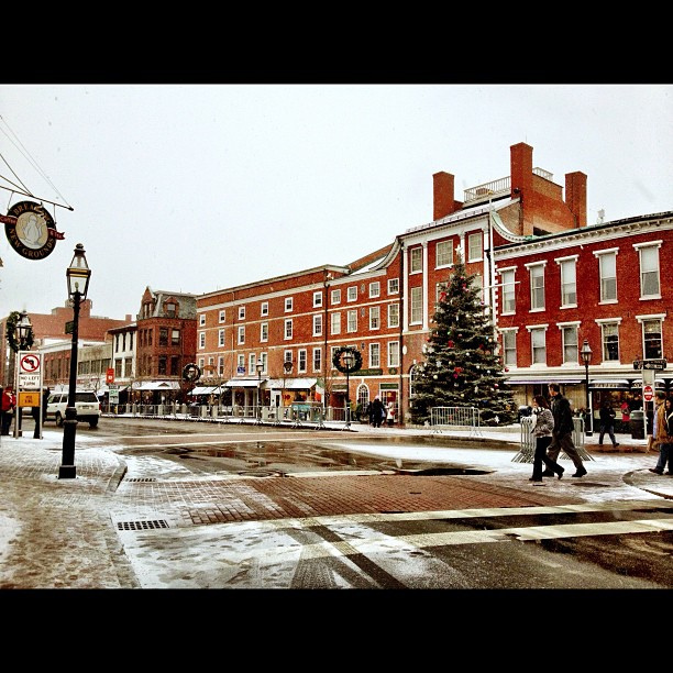 9 Main Streets In New Hampshire To Visit During Christmastime