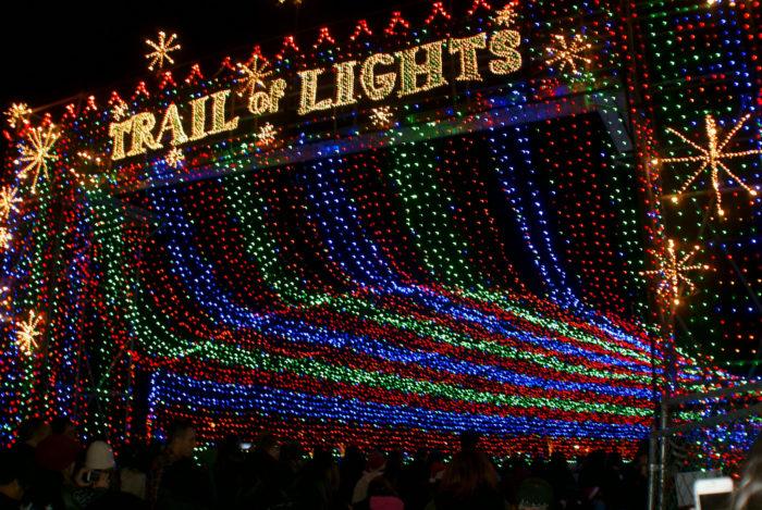 The 2016 Christmas Lights Road Trip Through Austin