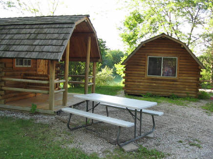 The 9 coziest missouri log cabins to spend the night in for Hidden falls cabins branson mo