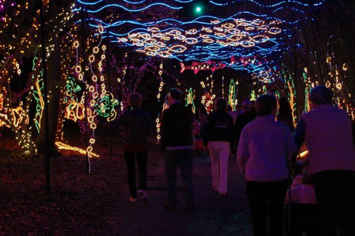 Magic Christmas In Lights At Alabama 39 S Bellingrath Gardens