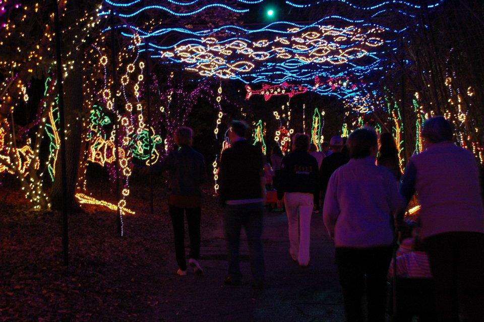 Magic Christmas In Lights At Alabama S Bellingrath Gardens