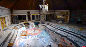 A Playboy Mansion From The 1970s Is Rotting In Alabama And It's Mesmerizing