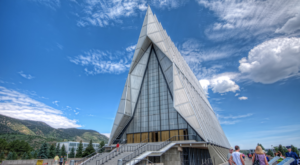 The Chapel In Colorado That's Located In The Most Unforgettable Setting