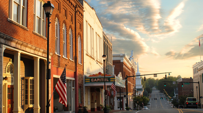 Downtown Franklin Tn >> 7 Main Streets In Tennessee That Are Pure Magic During Christmastime