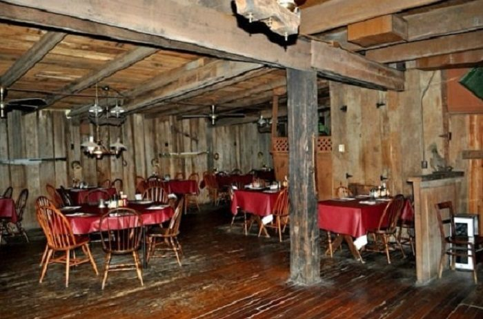 The Red Barn Restaurant In Demopolis Alabama Is A Must Visit