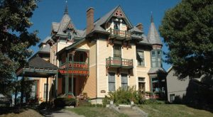 11 Little Known Inns In Iowa That Offer An Unforgettable Overnight Stay