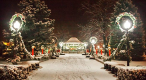 11 Main Streets In Iowa That Are Pure Magic During Christmastime