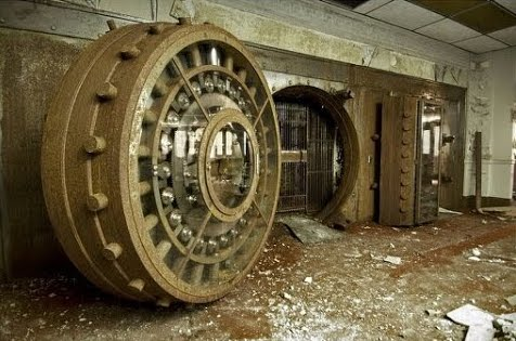explorers find a massive vault in this abandoned federal
