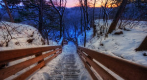 12 Picturesque Trails In Illinois That Are Perfect For Winter Hiking