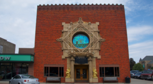 You've Never Seen Anything Like These Beautiful, One-Of-A-Kind Banks In Iowa