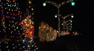 8 Main Streets In Louisiana That Are Pure Magic During Christmastime