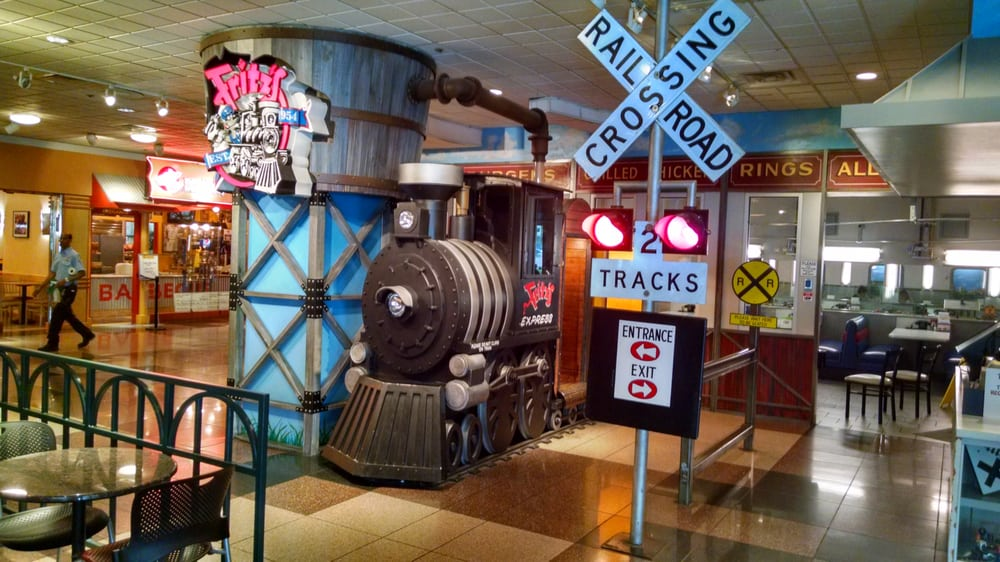 This Train Themed Restaurant In Missouri Will Make You