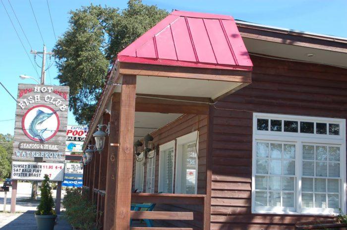 18 of the best restaurants on the south carolina coast for Hot fish club murrells inlet south carolina