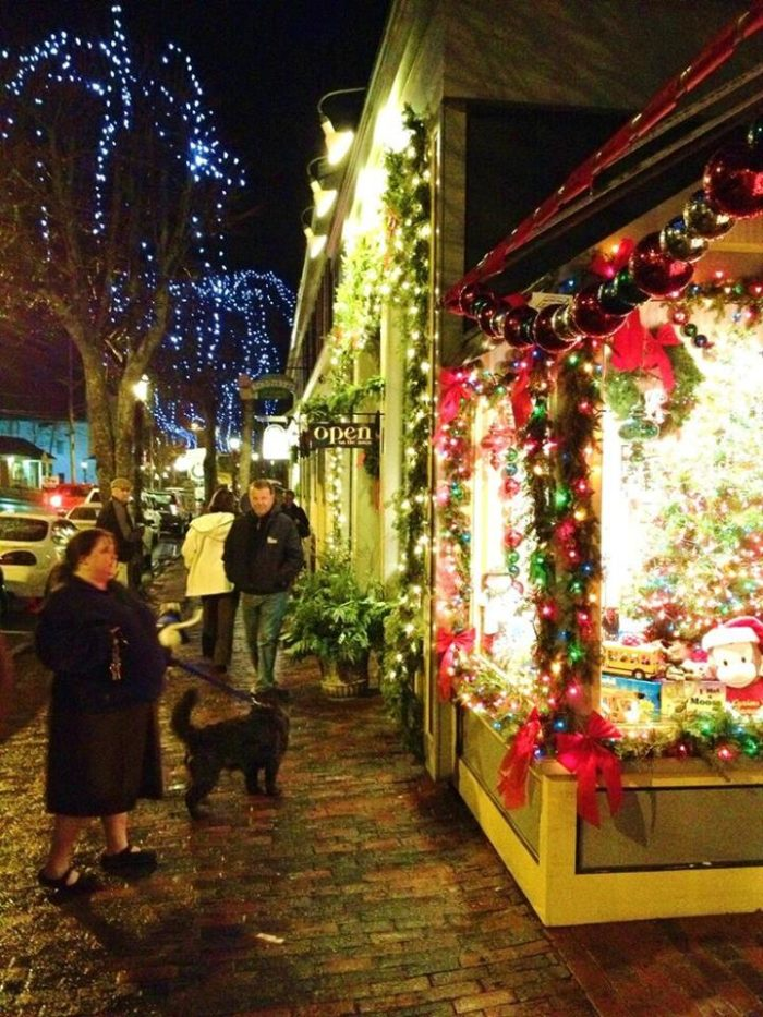 Plan A Road Trip >> Christmas Light Road Trip In Maine