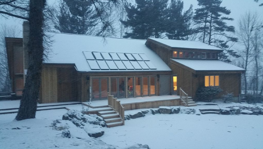 This remote luxury cabin is perfect for winter camping in for Luxury winter cabins