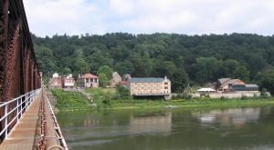 Most People Don't Know These 9 Super Tiny Towns Near Pittsburgh Exist