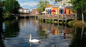 These 11 Perfectly Picturesque Small Towns In Rhode Island Are Delightful