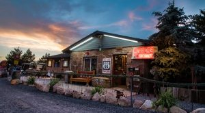 8 Incredible Places To Spend The Night On Arizona's Route 66