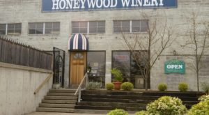 Visit The Oldest Winery In Oregon For A Truly Enchanting Experience