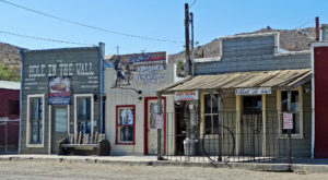 Visit These 8 Creepy Ghost Towns In Southern California At Your Own Risk