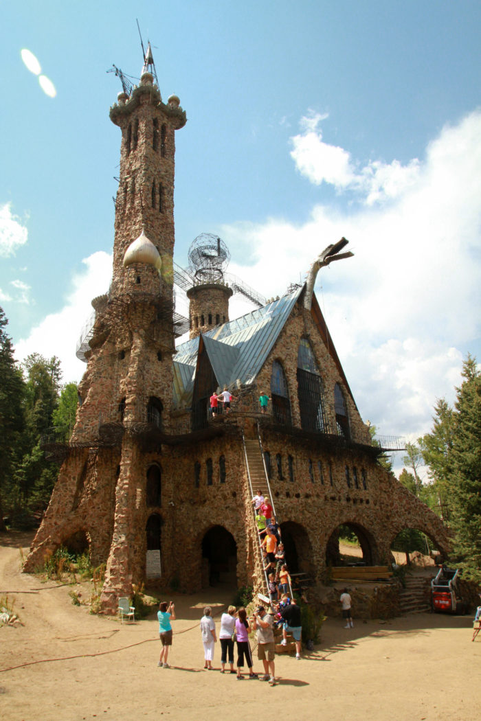A road trip through colorado 39 s most majestic castles for Build your own castle home