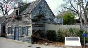 The Oldest Wooden Schoolhouse In America Is Right Here In Florida And It's Amazing