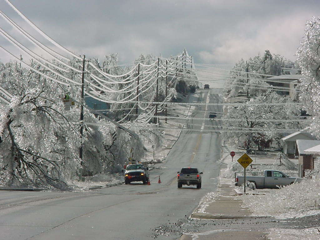 ice storm heads straight for oklahoma  major power outages