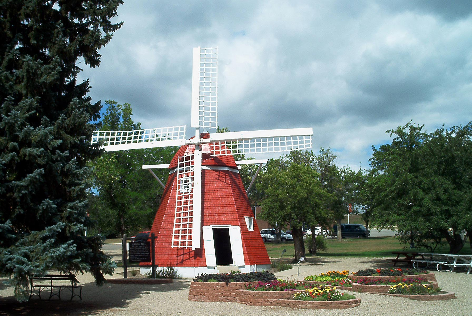 Des Moines Shopping >> Kenmare, North Dakota Is The Most Underrated Town In The State To Visit