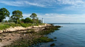 Everyone Should Explore These 11 Stunning Places In Connecticut At Least Once