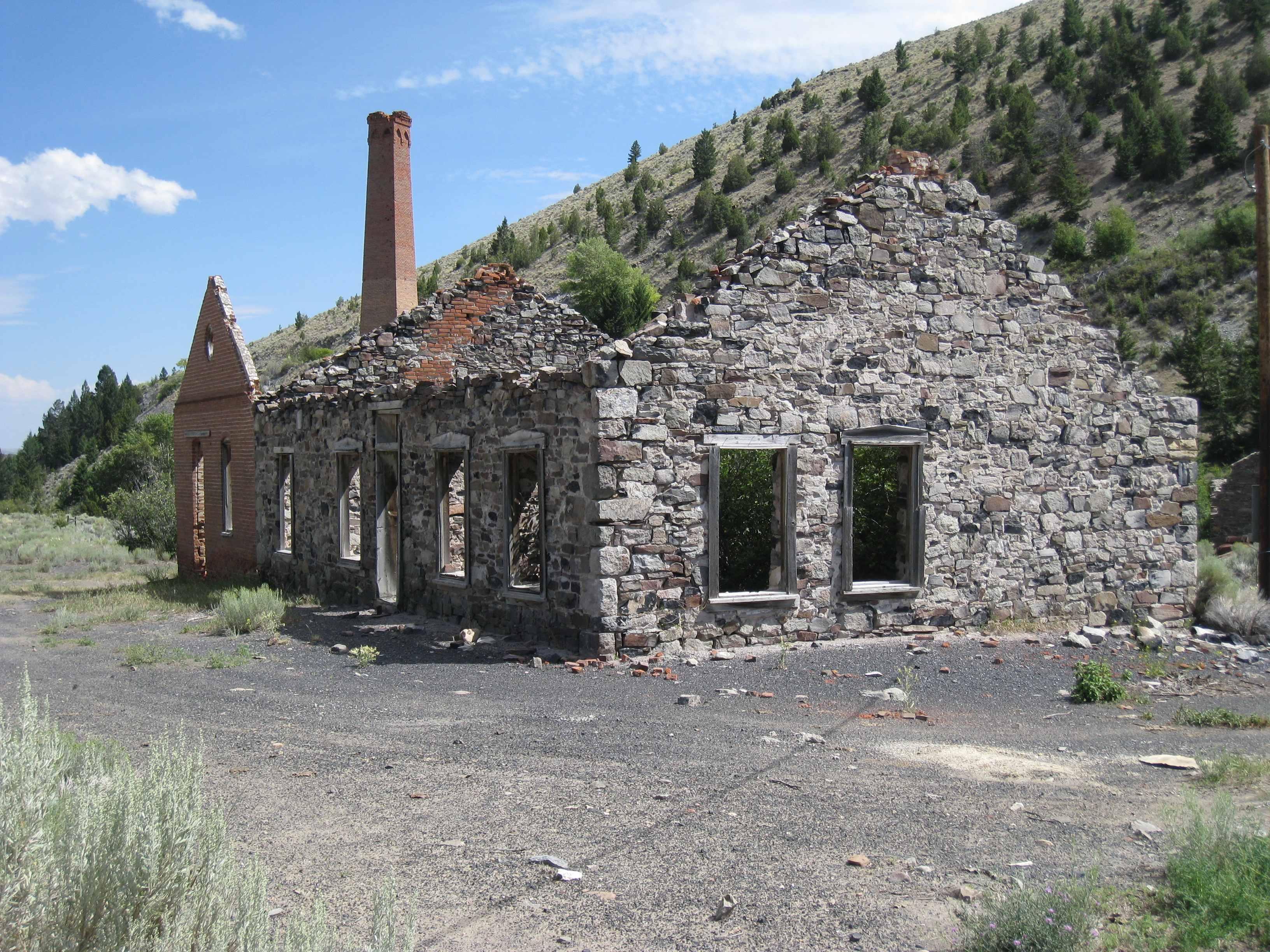 5 Ruins In Montana That Will That Will Transport You To