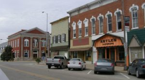You'll Never Run Out Of Things To Do In This Tiny Illinois Town