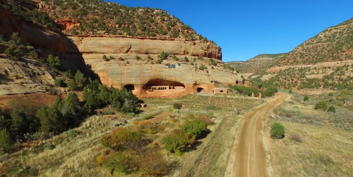 The Utah House In Montezuma Canyon That S Anything But