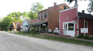 A Trip To These Historic Iowa Villages Makes A Picture Perfect Weekend Getaway